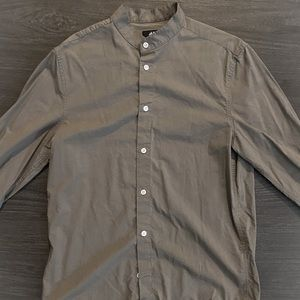 H&M No collar dress shirt (Size Small)
